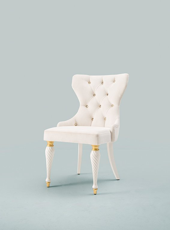 CHAISE ANGELIC